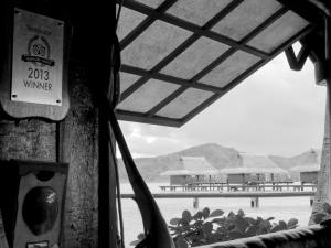 Vahine-Island-bar