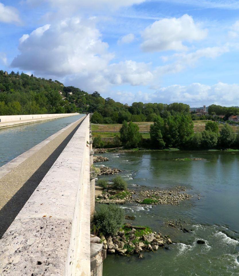 Pont-canal Agen Lot-et-Garonne