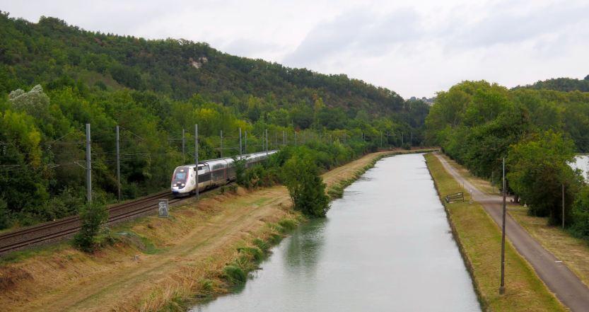 Train Canal Garonne